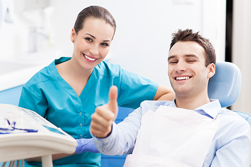 hygienist-and-patient